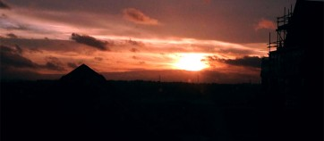 20140315_fromupperroomtohigerhsky_01_sunsetiphone_small